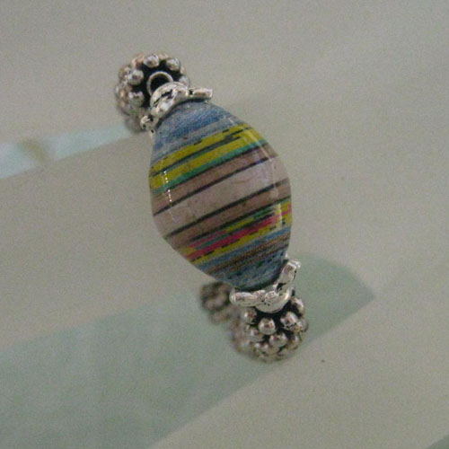 Adjustable paper bead ring