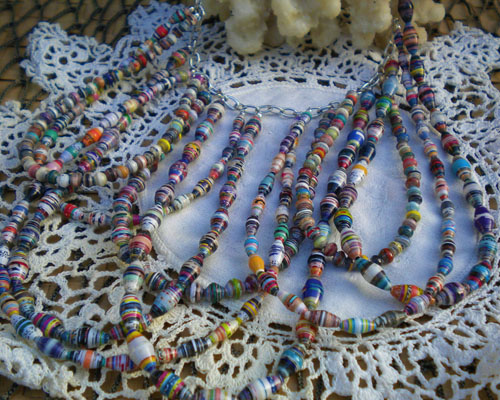 A Scalloped Paper Bead Necklace