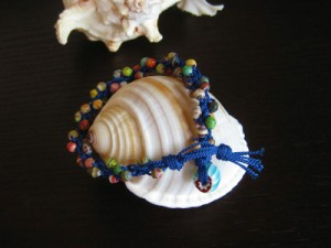 Paper Beads Are Used in Kumihimo Braiding